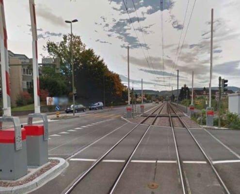 Bahnübergang Schönenbachstrasse Reinach BL / Kreuzung Schiene Strasse